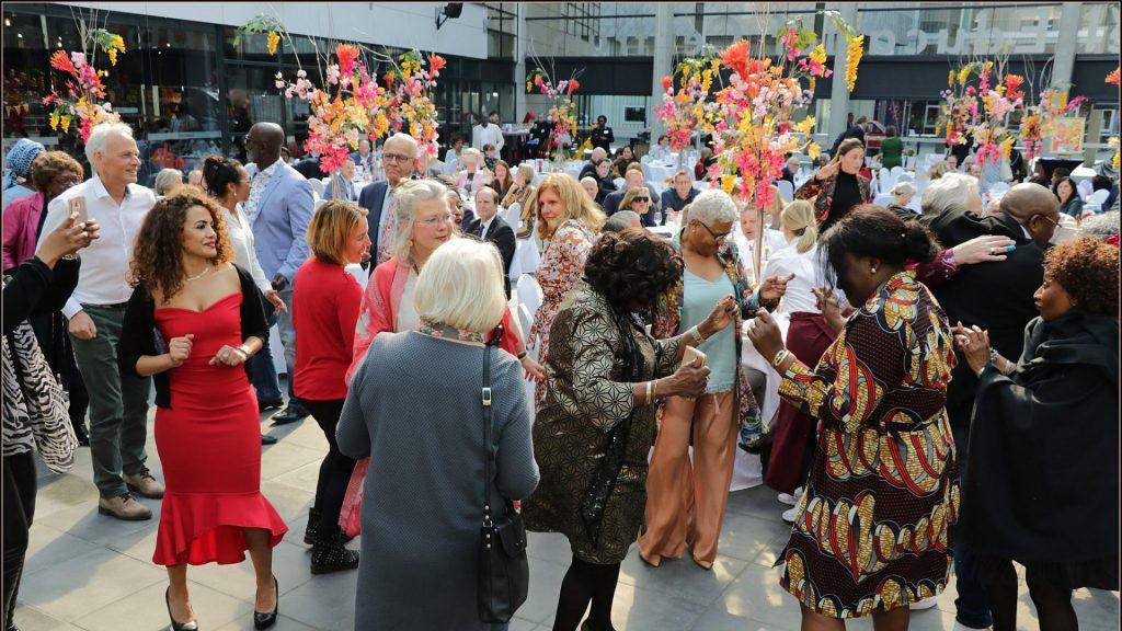 Dansen tijdens Charity Brunch Wiesje 2019